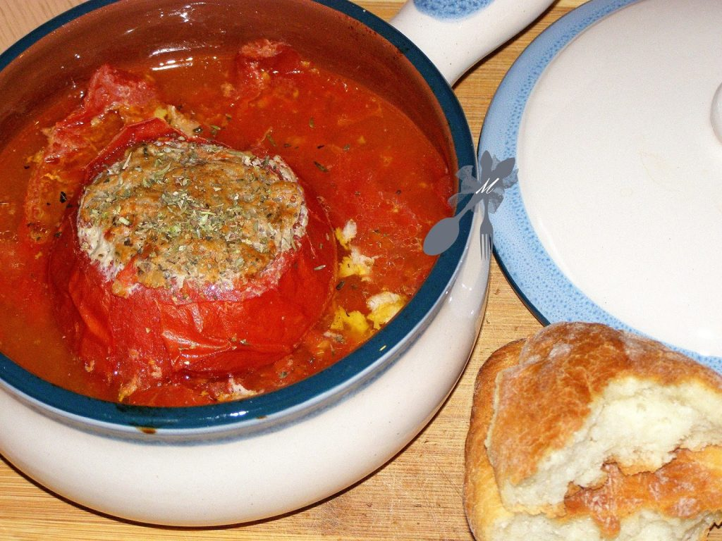 Przepis na zapiekane pomidory faszerowane mięsem