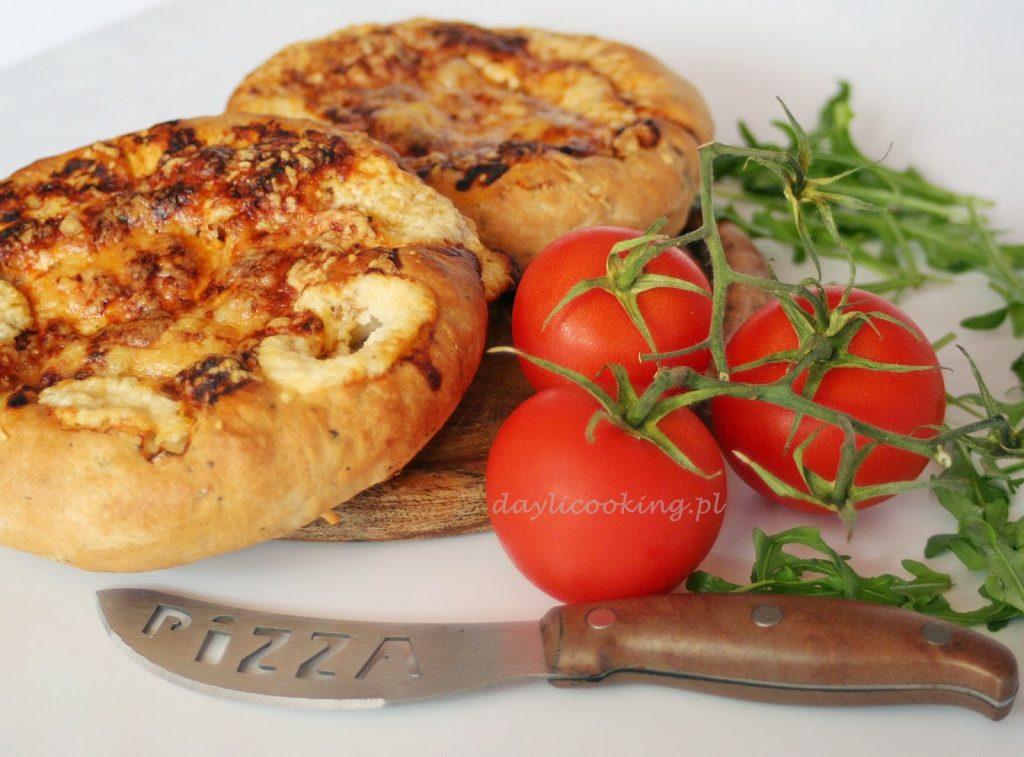 pizza serowa zawijana z serem jak zrobić przepis