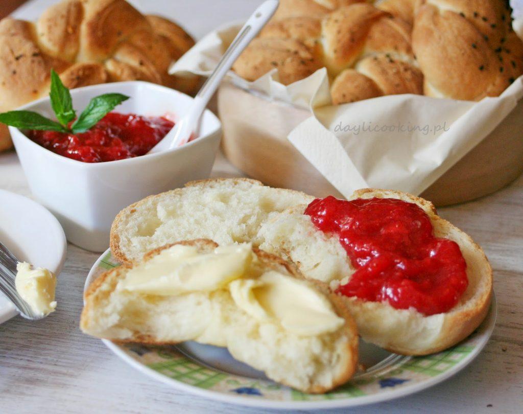 Przepis na domowe kajzerki najlepsze bułeczki śniadaniowe