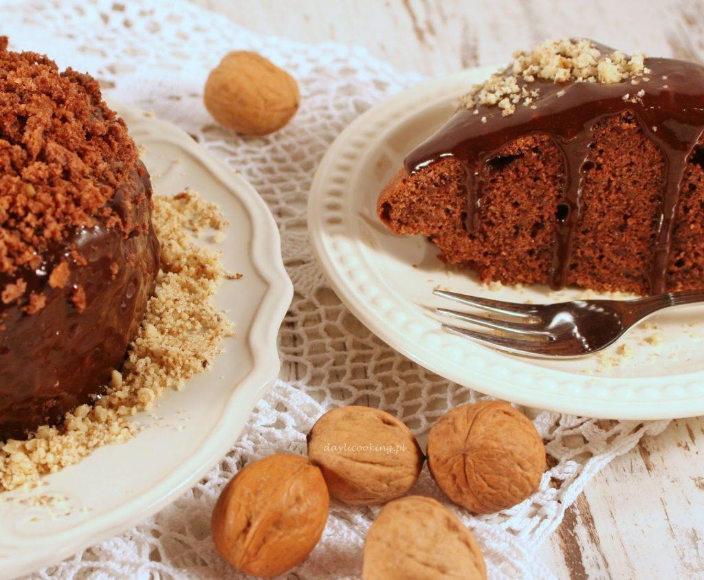 Przepis na proste ciasto z orzechami