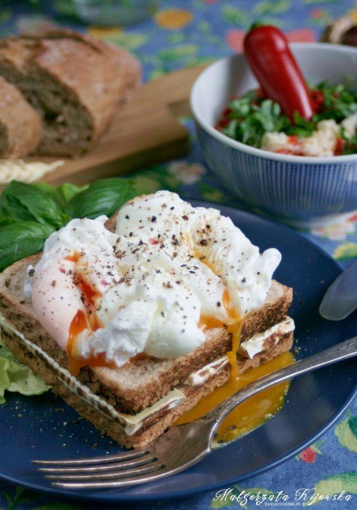 jajko pochette, jajka w koszulkach, tosty, grillowane kanapki, opiekane, daylicooking, Małgorzata Kijowska