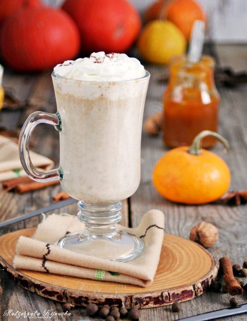 dyniowe latte, napój mleczny przepis