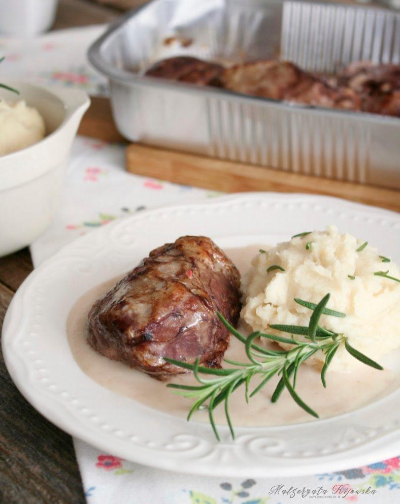 policzki, wieprzowina, obiad, mięso w sosie, puree pietruszkowe, daylicooking