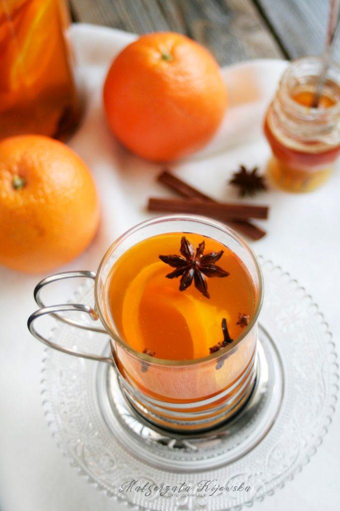 Rozgrzewająca herbata pomarańczowa z przyprawami korzennymi - przepis