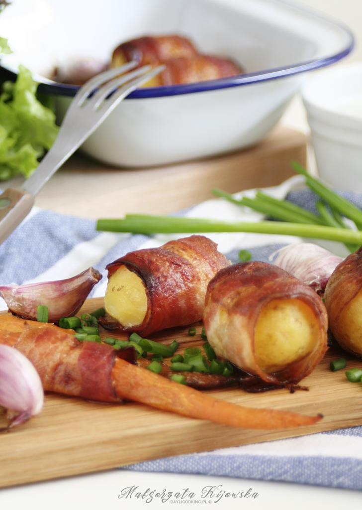 Przepis na ziemniaki zapiekane w plastrach boczku
