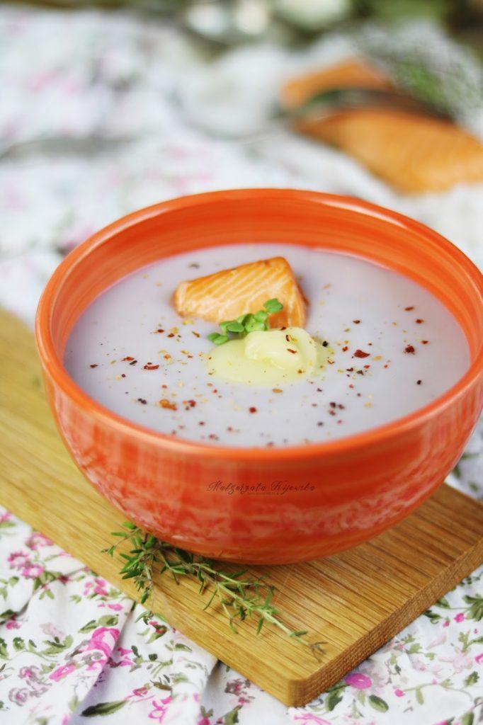 kremowa zupa z fioletowych ziemniaków, co zrobić z fioletowych ziemniaków, zupa ziemniaczana, kartoflanka, daylicooking, rozgrzewające danie, rozgrzewająca zupa