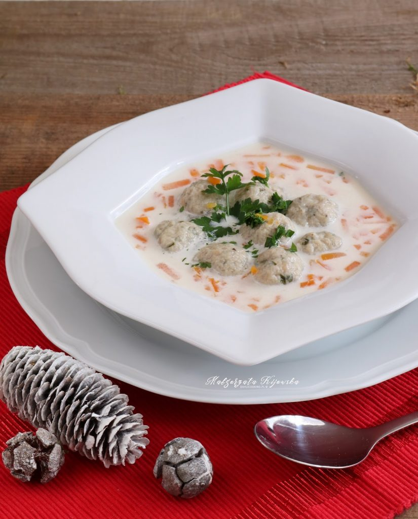 Przepis na zupę rybną z pulpecikami z karpia - jak zrobić zupę z karpia