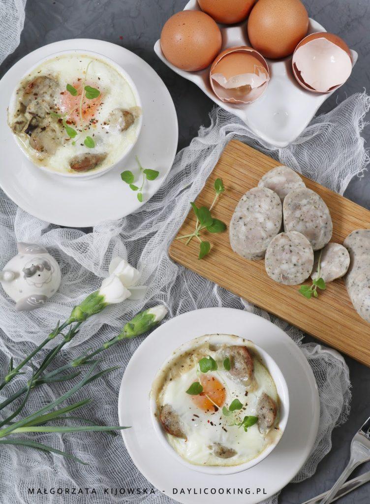 wielkanocne potrawy, co zrobić na Wielkanoc, jak ugotować żurek na święta, biały barszcz, zapiekanka z białej kiełbasy, co zrobić z biała kiełbasą po świętach