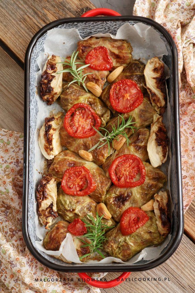 sprawdzony przepis na gołabki bezmięsne, wegański obiad, co zrobić latem na obiad, daylicooking