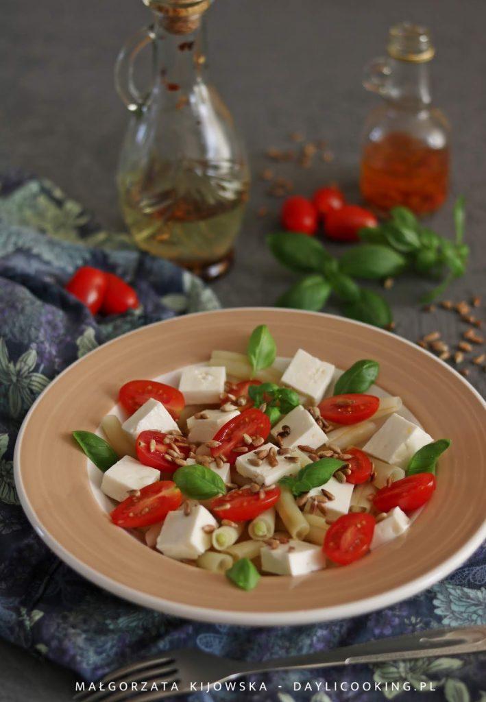prosty przepis na sałatkę z fasolki szparagowej, co zrobić z fasolki szparagowej, dobry przepis na fasolkę szparagową, daylicooking