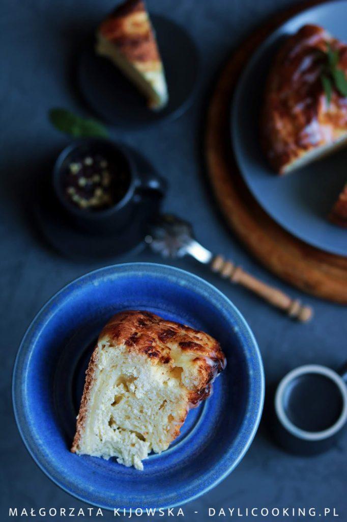sprawdzony przepis na ciasto drożdżowe, jak upiec dobre drożdżowe ciasto, drożdżówki z serem, daylicooking