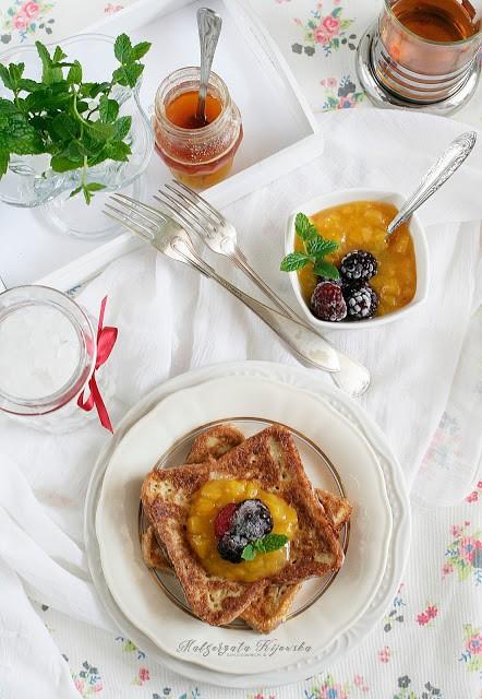 jak zrobić tosty francuskie, przepis na francuskie tosty, śniadanie na słodko