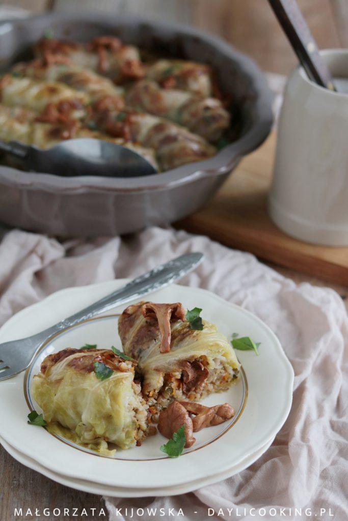 Przepis na wegańskie gołąbki z kaszą i kurkami