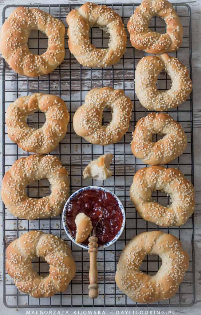 Przepis na bajgle z mąki chlebowej
